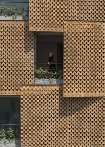 Saadat Abad Residential Building / Mohsen Kazemianfard - fundamental approach architects