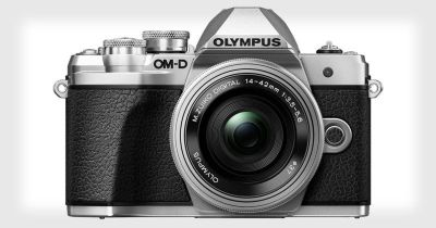 Olympus OM-D E-M10 Mark III: 16MP, 4K, and 5-Axis Stabilization