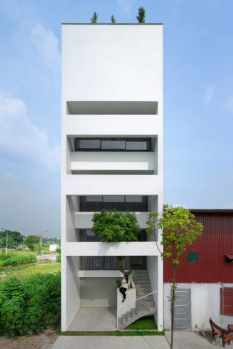 A House in Trees / Nguyen Khac Phuoc Architects