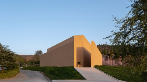 Hall of Immortality at Longshan Cemetery / Studio 10