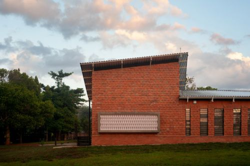 Mpirigiti Rural Training Center / Studio FH Architects