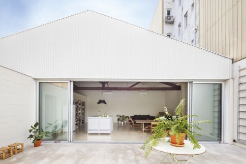 Warehouse Transformation / Thomas Raynaud + Paul Devarrieux