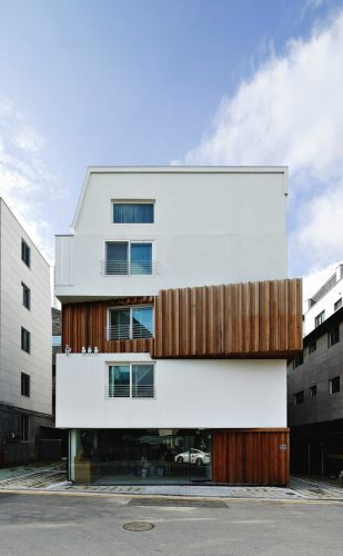 Happy House / Yoon Space Design