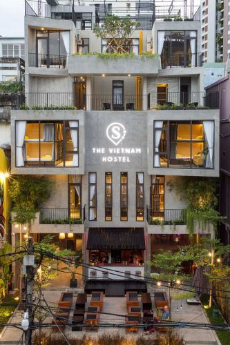 The VietNam Hostel / 85 Design