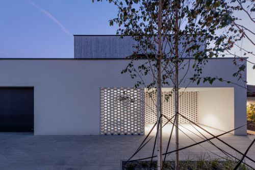 BLNT house / at26 architecture & design