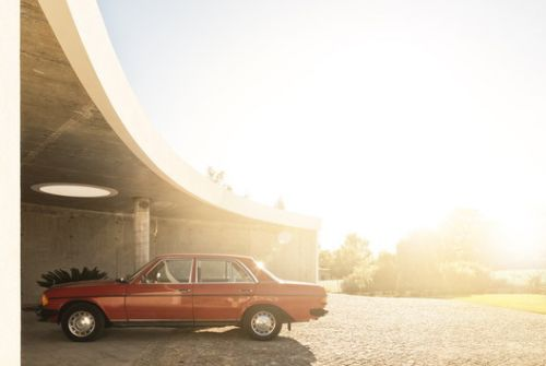 10 Stylish Images of Cars and Architecture: The Best Photos of the Week