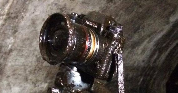 I Dropped My Camera in Crude Oil and Then Saved It From Death