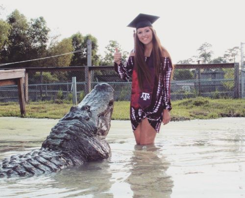 Texas Student Does Graduation Photo Shoot with Giant Alligator