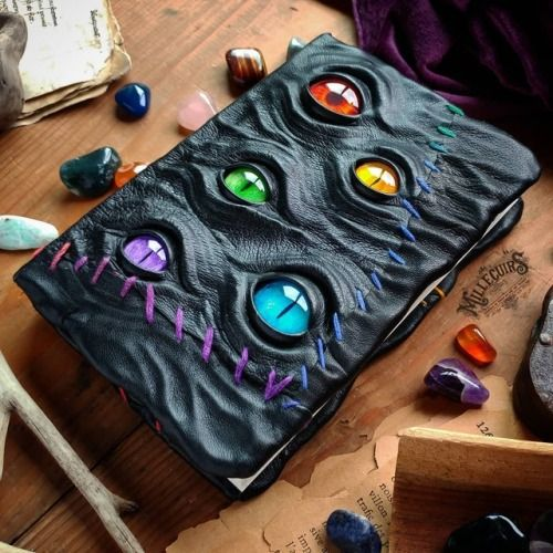 Art-woonz: Handmade Leather Journals of Mille Cuirs For