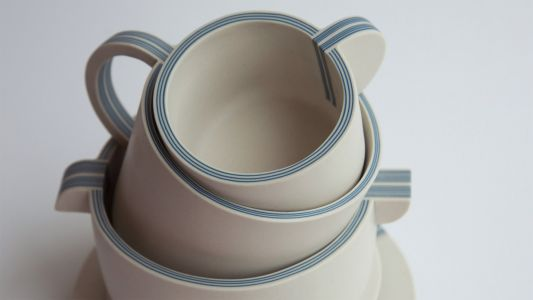 Up To 29 Porcelain Layers Molded into Elegant Tableware by Yuting Chang