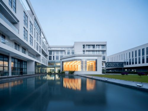 Chengdu Chipscreen Medicine Industry Production Base Ⅰ / Yuanism Architects + CPIDI