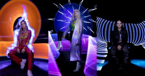 Light-Painting Portraits of Music Stars Shot in a Single Take