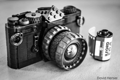 This LEGO Olympus OM-1 Camera Could Become an Official LEGO Set