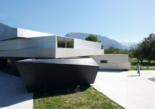 Event Hall / SPACES Architecture