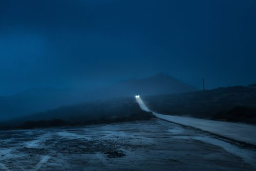 Headlights Cut Through Dense Fog in Moody Images of Cars at Night by Henri Prestes
