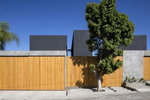 TLP House / T38 Studio