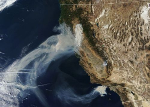 These Satellite Photos Show the Wildfires Burning California