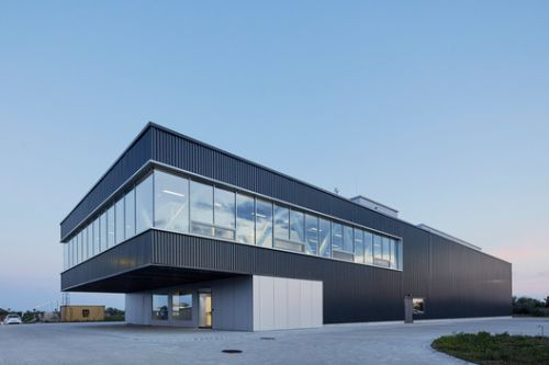 Amplio Automation Headquarters / T2.a Architects