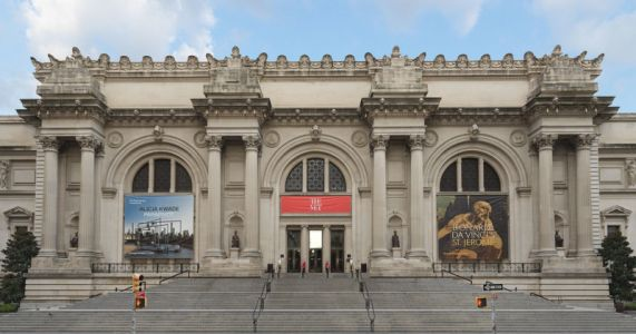 Largest US Art Museum May Sell Off Art to Pay Bills