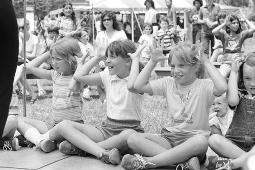 Transcribing Deaf Folklore from the 1981 Smithsonian Folklife Festival