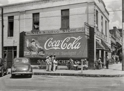 Hunter's Drug Store: 1939