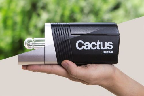Cactus RQ250 is a Tiny 250Ws Battery-Powered TTL Wireless Monolight