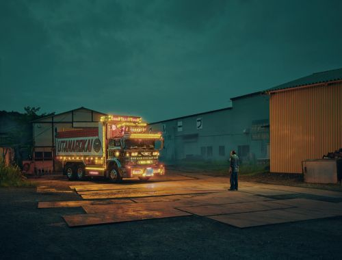 The Blinged-Out Work Trucks of Japan Photographed by Todd Antony