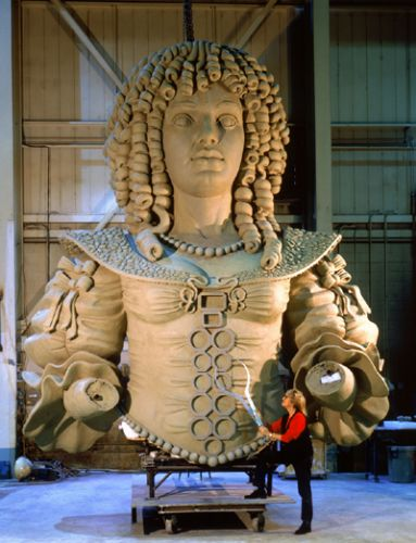 Queen Catherine Statue Scrapped