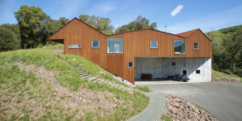 Triple Barn House / Mork-Ulnes Architects