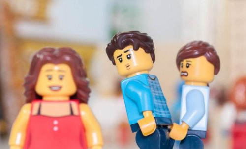 This Guy Recreated That 'Distracted Boyfriend' Photo with LEGO