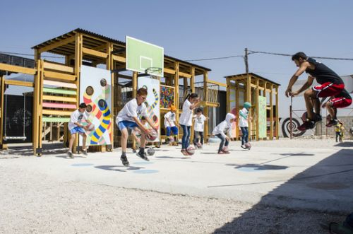 Beyond Refugee Housing: 5 Examples of Social Infrastructure for Displaced People