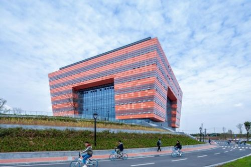 Chengdu University Library / China Southwest Architectural Design and Research Institute