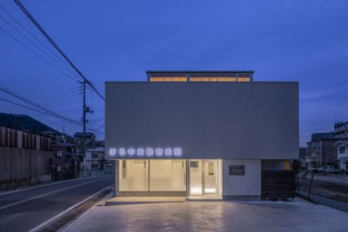 House in Miashi / Daisaku Hanamoto Architect & Associates