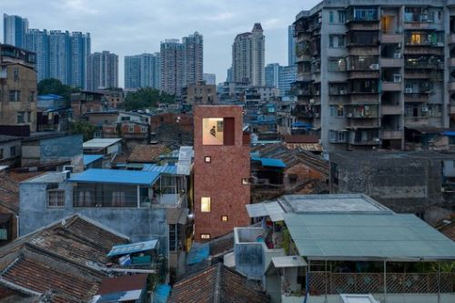The Renovation of a Little House in a Historical Neighborhood of Guangzhou / URBANUS