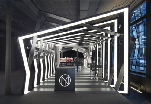 Boutique Pavilion by Zaha Hadid Architects For Cosmetics Label Il Makiage Opens in New York City
