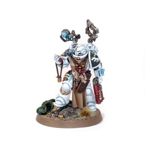 Showcase: Dark Angels Primaris Apothecary