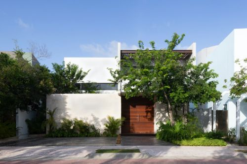 Golondrinas 34 House / estudio AM arquitectos