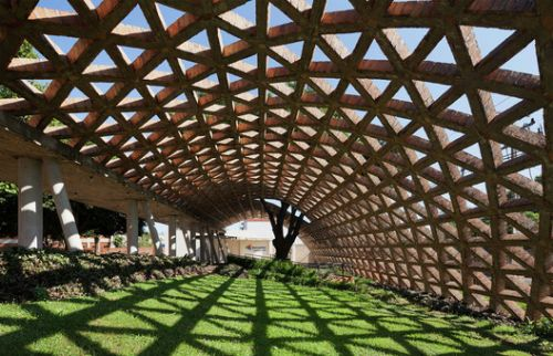 Brick in Latin American Architecture: Hospitals and Health Centers