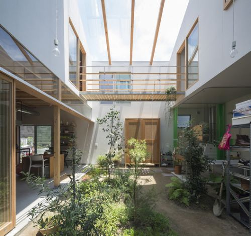 House in Tsukimiyama / Tato Architects