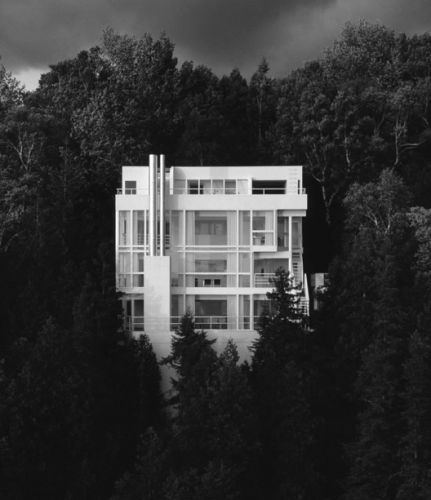 Richard Meier On Color in Architecture and His Only Black Building