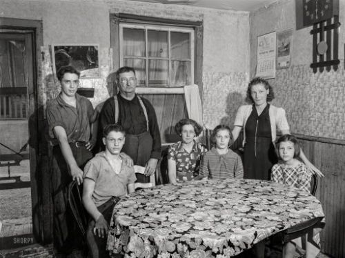 Meet the Yeusers: 1940