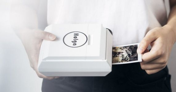 Holga Unveils a Hand-Cranked Instax Printer That Doesn't Need a Battery