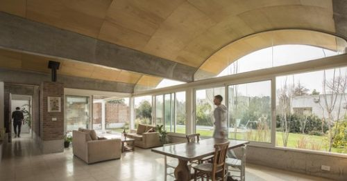 Interiors with Vaulted Ceilings: 21 Non-Obvious Designs