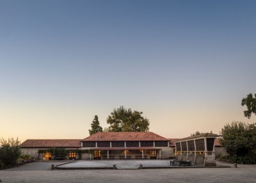 Wine Tourism Building / Diogo Aguiar Studio