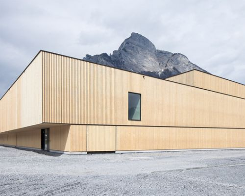 Sports Center Sargans / Ruprecht Architekten + HILDEBRAND