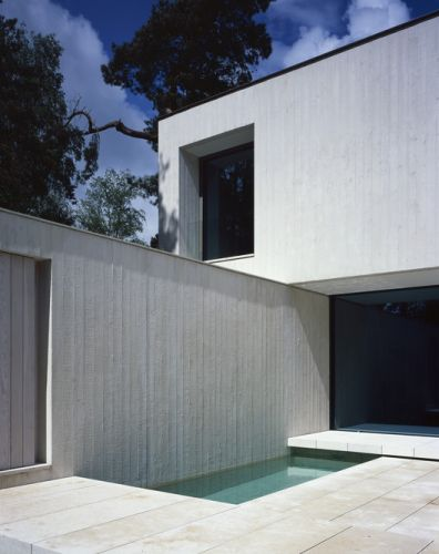 Villa Waalre / Russell Jones