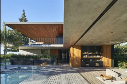 Sunrise House / MCK Architecture & Interiors