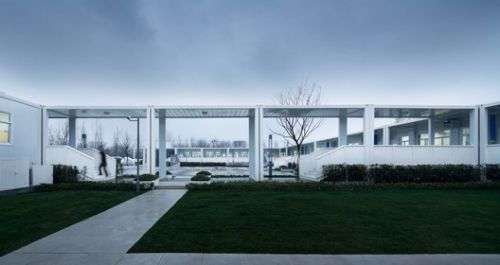Container Campus of Jiangxinzhou Middle School / ADINJU