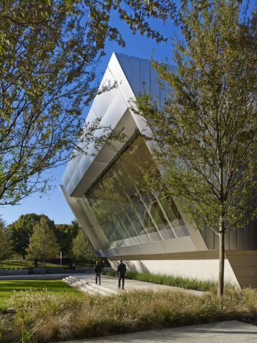 Devon Auditorium / Pickard Chilton
