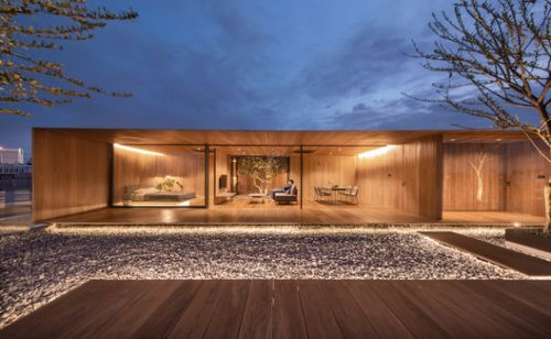 The Skyscape Rooftop House / WARchitect